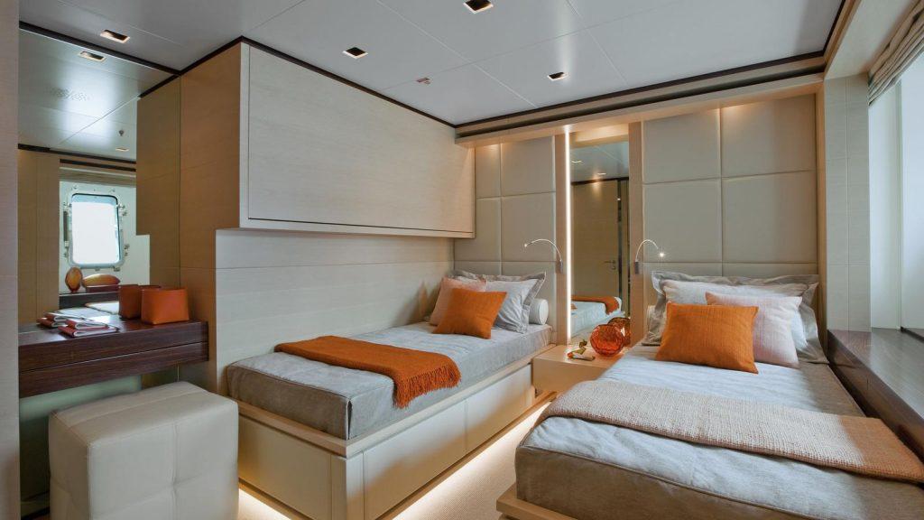 yacht Lammouche interior