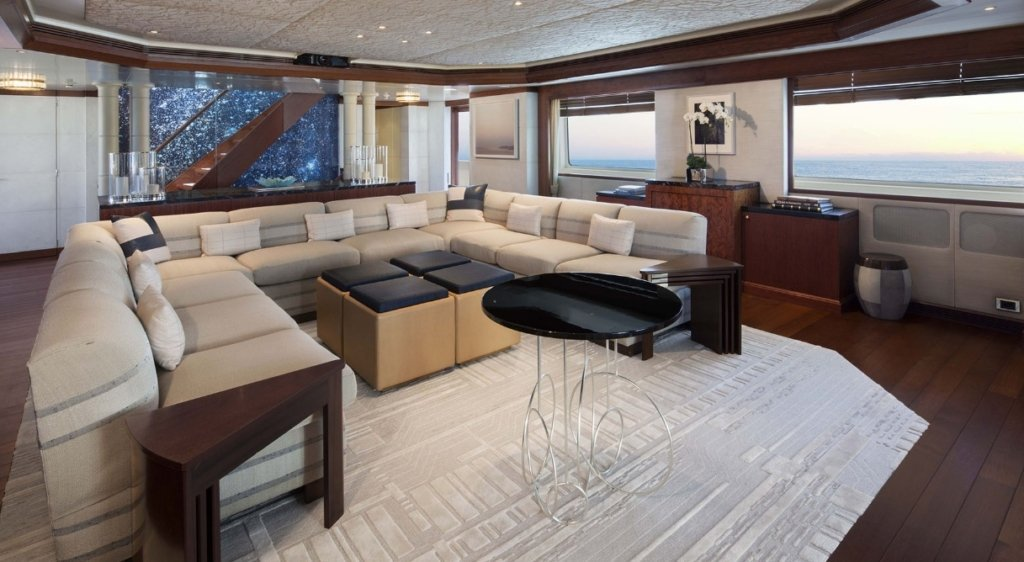 yacht Lazy Z interior
