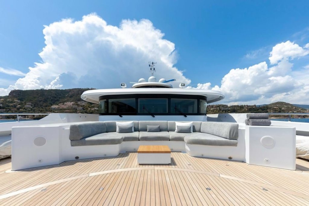 yacht My Sky interior