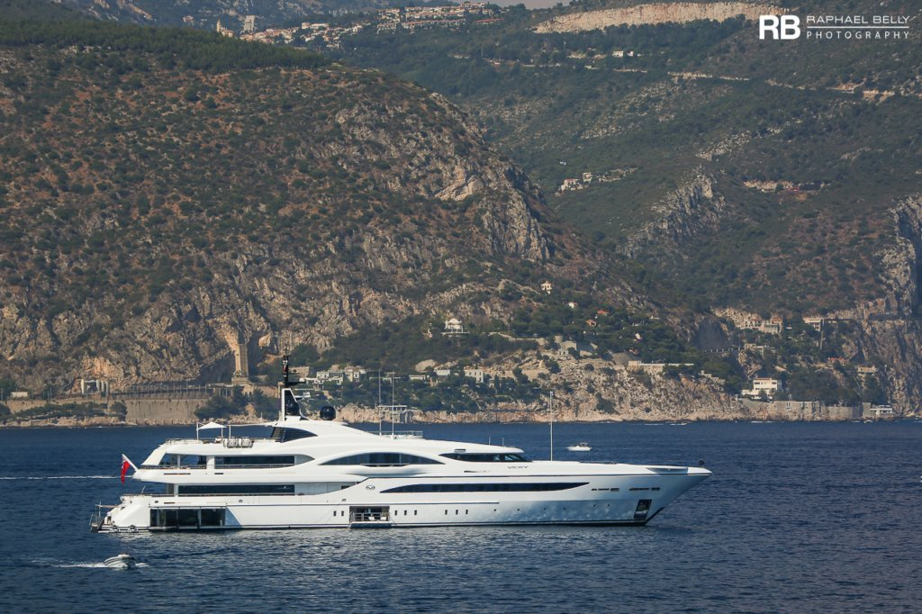 yacht Quantum of Solace – 73m – Turquoise