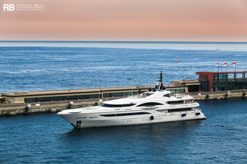 Quantum of Solace yacht – 73m – Turquoise