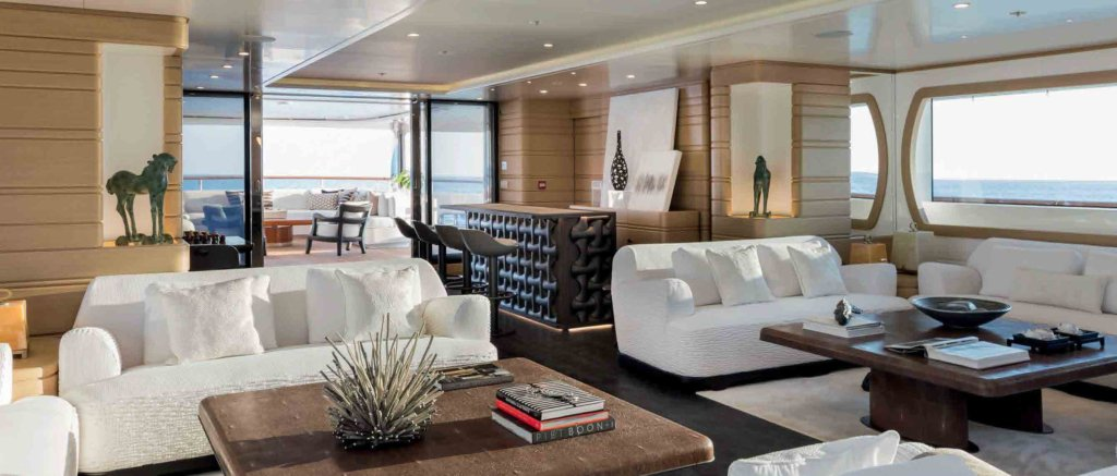 yacht Waku interior