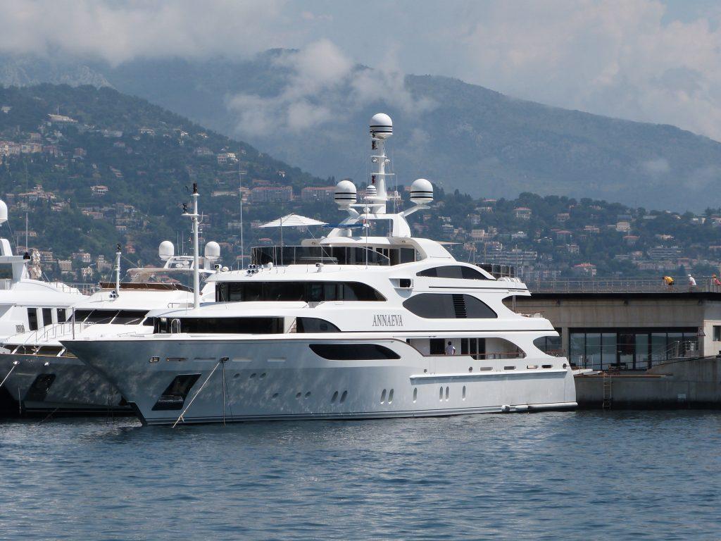 yacht AE Cap D'Antibes – Benetti – 2007 – Harry Vafias