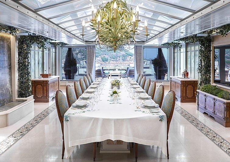 yacht Amadea interior