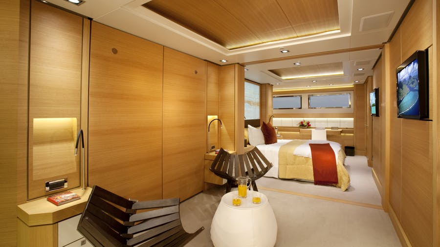 yacht Big Fish interior
