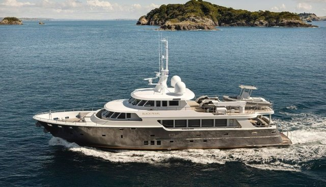yacht Black Pearl – Diverse Projects – 2011 – Michael Buxton