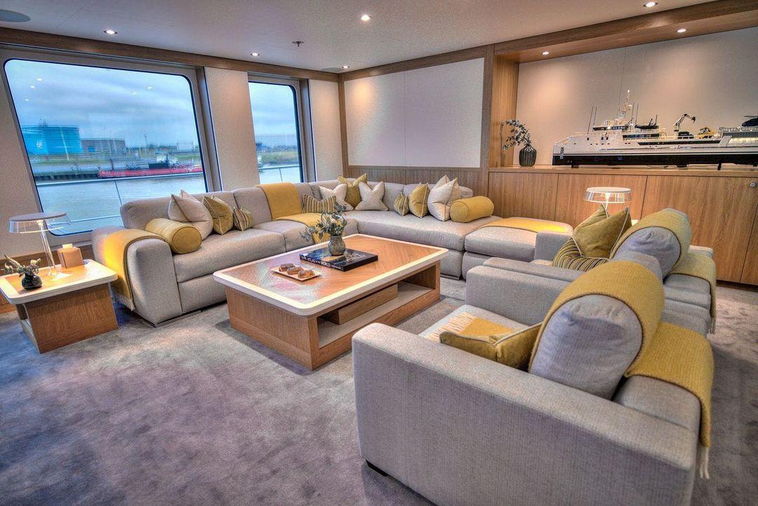 yacht Game Changer interior