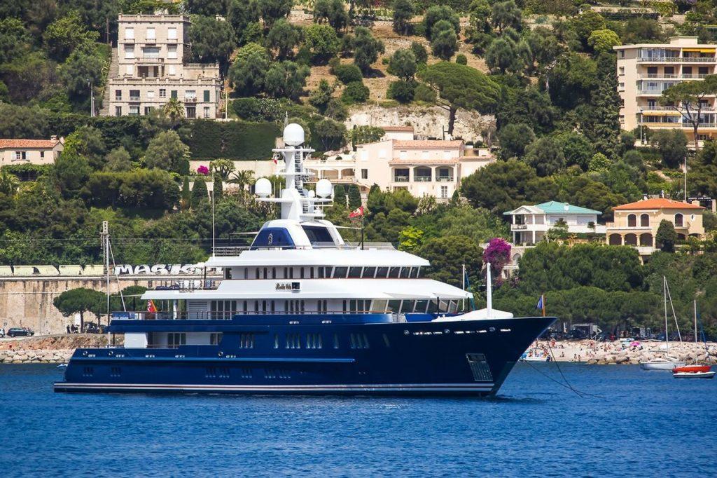 yacht Huntress – 76m – Lurssen – George Argyros
