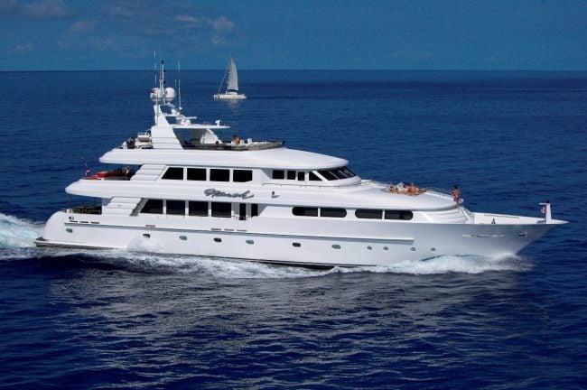 yacht Nicole Evelyn – Cheoy Lee. – 2003 – Frank Montecalvo