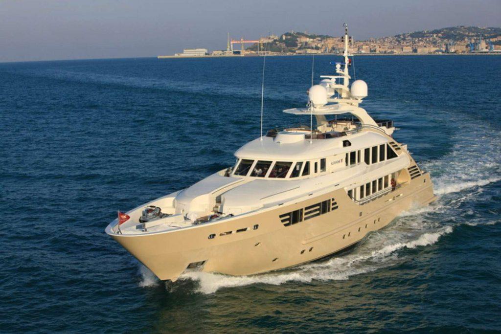 yacht Alexandar – Isa Yachts – 2008 – Miodrag Kostic