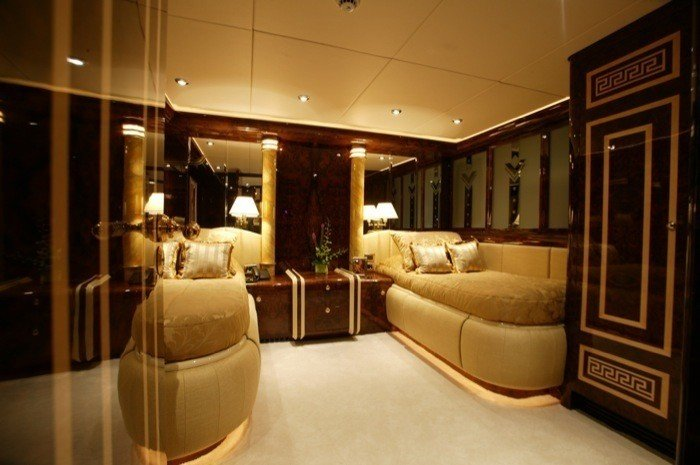 yacht World Is Not Enough interior