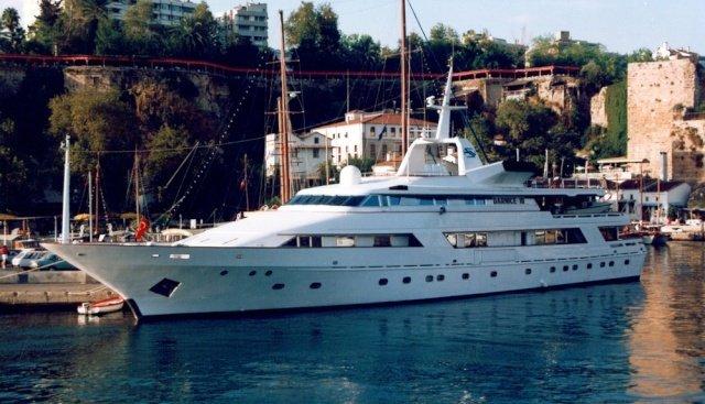 yacht Darnice III – Benetti – 1986 – Hussein Nuaman Soufraki