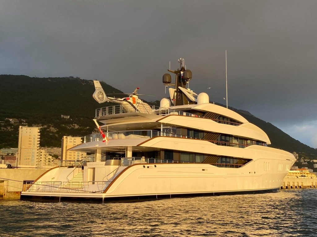 Vanish yacht – Feadship – 2021 – owner Larry Van Tuyl