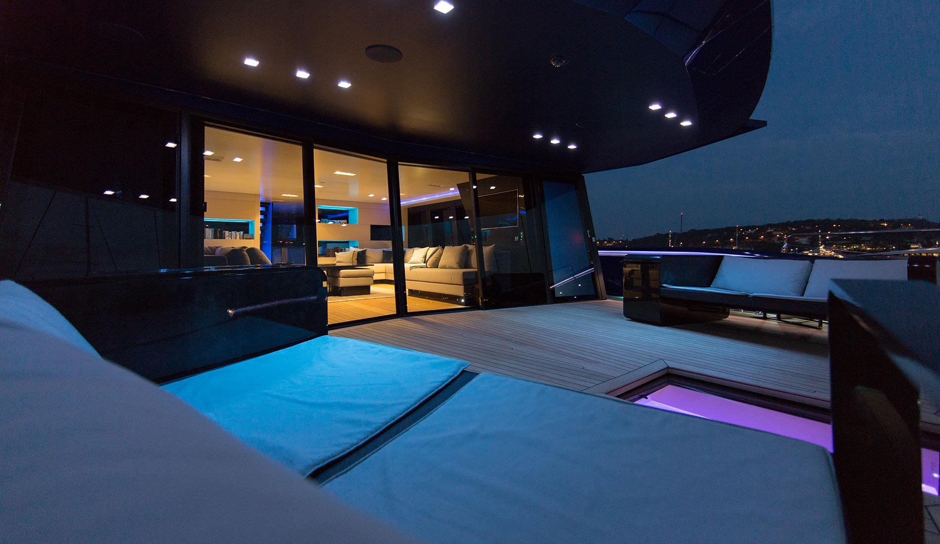 yacht Better Place interior