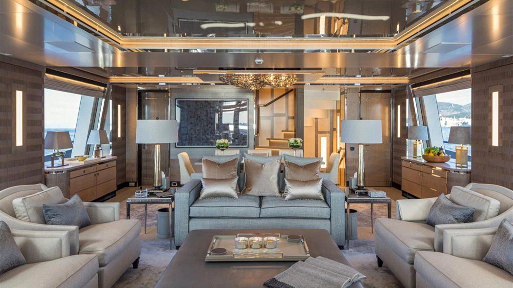 yacht Kiss interior